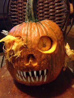 Zombie pumpkin. Easy Pumpkin Carving, Scary Pumpkin Carving Patterns, Awesome Pumpkin Carvings, Disney Pumpkin Carving, Halloween Pumpkin Carving Stencils, Pumpkin Pumpkin, Pumpkin Ideas, Halloween 2018, Diy Halloween
