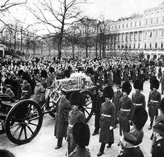 QUEEN MARY's FUNERAL 3/31/53.  Queen Mary died of lung cancer at the age of 85.  She let it be known when she was ill that she didn't want Queen Elizabeth's coronation to be postponed in the event of her death.