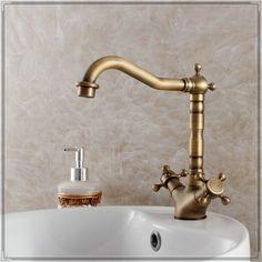 Clássico antigo banheiro torneira de lavatório torneira ktichen dois handle torneira do banheiro lavatório quente e fria torneiras pr em Pias e torneiras de Casa & jardim no AliExpress.com | Alibaba Group