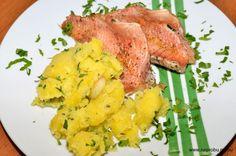 Запеченный морской окунь с картофелем
