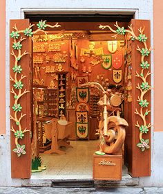 World's Greatest Toy Stores: Bartolucci...My Favorite Toy Store ever!  Don't miss it, when visiting in Rome, Italy!  It is a Must See!