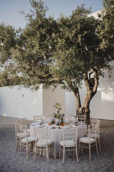 A lovely rustic chic wedding decorations at Algarve, Portugal. Chic Wedding, Rustic Wedding, Portuguese Wedding, Outdoor Dinner Parties, Wedding Decorations, Table Decorations, Outdoor Furniture Sets, Outdoor Decor, Photographer Wedding