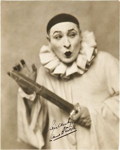 """This iswhat i mean by """"mime-ish"""" clown Vintage Clowns Gruseliger Clown, Circus Clown, Creepy Clown, Circus Theme, Clown Costumes, Circus Vintage, Creepy Vintage, Vintage Men, Vintage Images"""