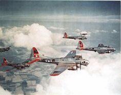 B 17, Ww2 Aircraft, Military Aircraft, Military Flights, History Online, P51 Mustang, Ww2 Planes, Nose Art, Aviation Art