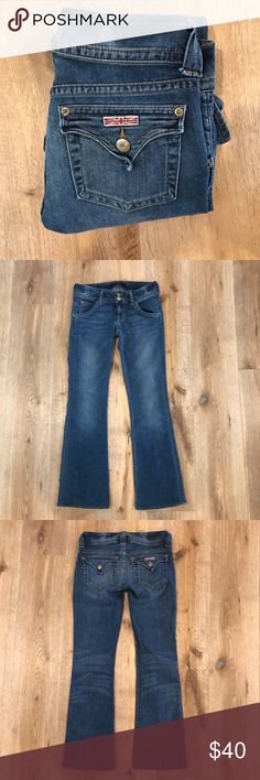 "Hudson Signature Bootcut Jean Medium Wash Super soft Denim jeans in EUC.  5 pocket bootcut with double button and zipper.  Size 25.  Inseam 29"".  Rise 7"". Waist 29.5"". Hudson Jeans Jeans Boot Cut"