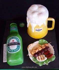 Heineken beer and mug cake Pint Of Beer, Lager Beer, Beverages, Drinks, I Foods, Food And Drink, Birthday Cake, Cupcakes, Mugs