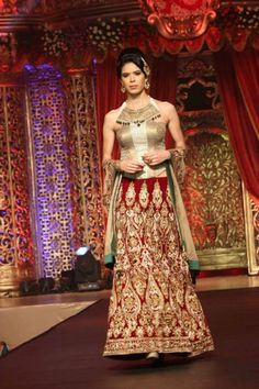 Vikram Phadnis Bridal Collection Indian Fashion Show - Indian Wedding Site Home - Indian Wedding Site - Indian Wedding Vendors, Clothes, Invitations, and Pictures.
