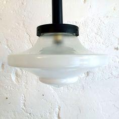 Très grande lampe suspension ancien luminaire abat jour globe en verre blanc forme toupie diamètre 37 cm... http://www.lanouvelleraffinerie.com/plafonniers-suspensions-lustres/1380-tres-grande-lampe-suspension-ancien-luminaire-abat-jour-globe-en-verre-blanc-forme-toupie-diametre-37-cm.html