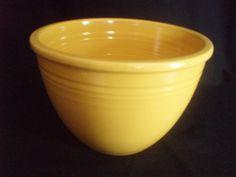 Vintage Fiesta Homer Laughlin #4 Yellow Nesting Mixing Bowl FREE SHIP  OBO