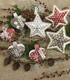Gummiapan Christmas Wreaths, Christmas Decorations, Christmas Ornaments, Holiday Decor, Home Decor, Weihnachten, Decoration Home, Room Decor, Christmas Jewelry