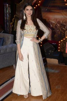 The Week In Style Bollywood style_Hauterfly Indian Fashion Dresses, Dress Indian Style, Indian Gowns, Indian Designer Outfits, Indian Attire, Pakistani Dresses, Indian Wear, Designer Dresses, Fashion Outfits