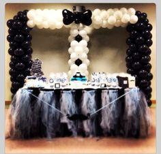 Balloon arch tuxedo. #balloon-arch #balloon-decor #balloon-wedding-decor