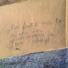 Pensavo fosse un poeta di strada, mentre è un verso di una poesia di Pablo Neruda.