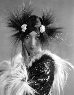 Gods and Foolish Grandeur: An excluded light - Anna May Wong in Hollywood Vintage Hollywood, Hollywood Glamour, Classic Hollywood, Hollywood Style, Hollywood Fashion, Hollywood Celebrities, Hollywood Actresses, Belle Epoque, Divas