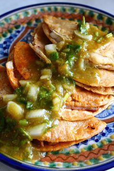 Tacos de canasta. De papa, chicharron, frijoles, etc. Mexico D F.
