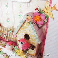 Suite à la publication de mon cadre canevas décoré pour bébé Alyssa vous avez pu voir ma cabane d'oiseau transformée pour l'occasion en embe...
