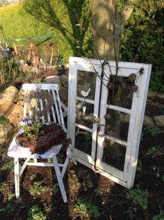 Shabby- Fenster und Stuhl