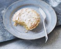 Bake classic Bakewell tarts with this easy recipe, perfect for everyday baking and occasions. Find more cake recipes at BBC Good Food. Cinnamon Cream Cheese Frosting, Cinnamon Cream Cheeses, Bbc Good Food Recipes, Snack Recipes, Turkey Stuffing Recipes, Rosette Cookies, Pumpkin Spice Cupcakes, Donut Cupcakes, Metallic Wedding Cakes