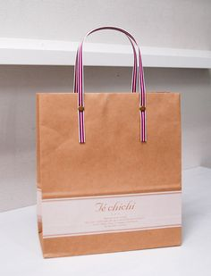 Paper Bag Design Print Graphic Fashion 紙袋 デザイン 印刷 グラフィクデザイン ファッション Shirt Packaging, Custom Packaging, Packaging Design, Shopping Bag Design, Paper Shopping Bag, Shoping Bag, Paper Bag Design, Gift Card Boxes, Pretty Packaging