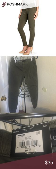 Rock & Republic all that jeggings Rock and republic all that jeggings.  Size 12.  Nwt Rock & Republic Pants Leggings