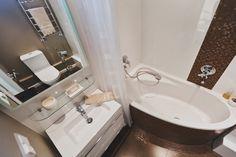 Маленькая, но стильная ванная комната!