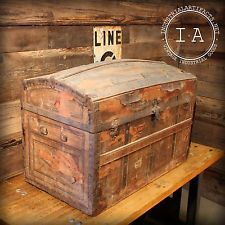 old trunk with lacquer just good things pinterest suitcase storage steamer trunk and crates. Black Bedroom Furniture Sets. Home Design Ideas