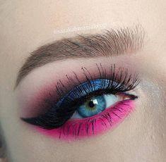 Gorgeous!! @sarakalimamakeup used the RADIOACTIVE stack for this eye look  #meltcosmetics #meltradioactive