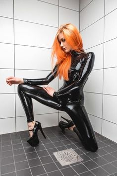 Amanda Ostensson (Miss Mandy) | black latex