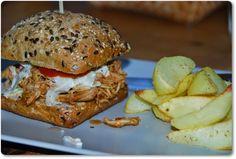 VillaNanna: Pulled Chicken Burger