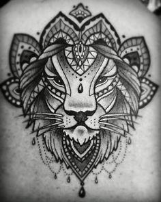 Dessin lion mandala tatouage tete de lion tatouage exemple tatou fleur lion tribal