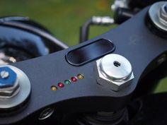 Triple Clamp with MotoGadget Motoscope Mini - Cognito Moto