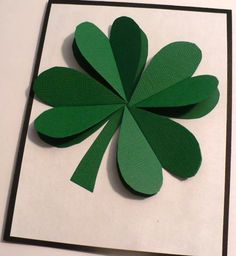 Looking for an easy and cute St. This paper Shamrock tutorial is a great craft for a fun decoration for your home, classroom, or party. Saint Patricks Day Art, St Patricks Day Cards, St Patricks Day Crafts For Kids, St Patrick's Day Crafts, Holiday Crafts, Fun Crafts, Arts And Crafts, Paper Crafts, March Crafts