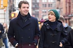 Taylor Swift's Brother Austin Swift Looking Hot at 'Star Wars: The Force Awakens' Premiere