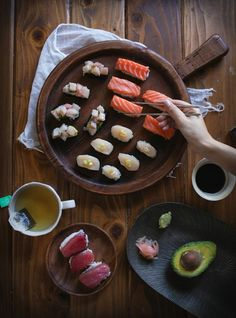 Homemade sushi party, just add sake! Adventures in Cooking * I want to learn to make sushi* Best Seafood Recipes, Sushi Recipes, Cooking Recipes, Cooking Tips, Yummy Recipes, Sushi Comida, Sushi Sushi, Sushi Party, Sushi Lunch