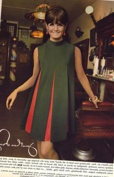 Green Dress with Red Pleats Maternity Tops, Maternity Wear, Maternity Dresses, Maternity Fashion, Special Dresses, Cute Dresses, Vintage Dresses, Vintage Outfits, Moda Lolita