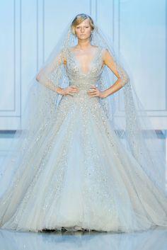 Elie Saab  Alta Moda Autunno Inverno 2011/2012 / Parigi. WOAH wedding dress... looove!!!!