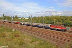 1142+704, Partysonderzug der Centralbahn am 16.09.2016 bei der Durchfahrt in Köln-Porz.