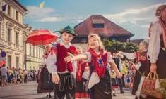 folk costumes with handkerchiefs images - Căutare Google Folk Costume, Costumes, Handkerchiefs, Google, Painting, Art, Art Background, Dress Up Clothes, Fancy Dress