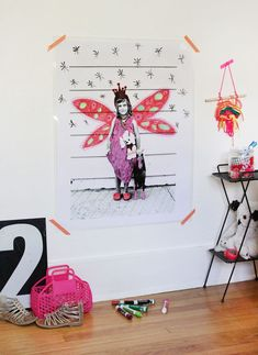 Try this easy dry erase blueprint poster DIY! Perfect for a kids room.