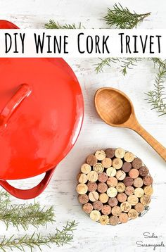 Looking for a craft project to use up some wine corks? This cork trivet or kitchen trivet is SUPER easy to make and it's something that you'll use over and over again. You'll wonder how you lived without it- it's honestly that awesome! Wine Cork Projects, Wine Cork Crafts, Cool Diy Projects, Easy Diy Crafts, Diy Crafts For Kids, Simple Crafts, Recycled Crafts, Creative Crafts, Creative Ideas