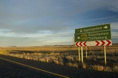 Selbstfahrer-Touren in Südafrika   (rf) Südafrika individuell erleben kann man ideal auf einer Selbstfahrer-Tour mit dem Auto oder Zweirad. Auf gut ausgebauten Straßen kann man die neun Provinzen des Landes im eigenen Tempo entdecken...  Link: http://www.reisefernsehen.com/reise-news/reise-news-aus-aller-welt/387115a30c0e8e807-selbstfahrer-touren-in-suedafrika.php