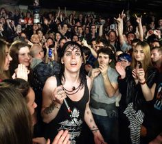 And this happened last night…The Struts à La Maroquinerie Bar Music, Lady And Gentlemen, Rock Style, The Struts, Beautiful Boys, Hard Rock, Rock N Roll, Gentleman, Marie