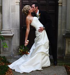 Glamorous Wedding in Burr Ridge, IL Black Baby Hairstyles, Headband Hairstyles, Diy Hairstyles, Bridal Hairstyles, Silver Blonde Hair, Dark Hair, Short Wavy Hair, Short Hair Styles, Green Hair Men
