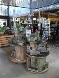 Market Displays, Store Displays, Garden Center Displays, Spool Tables, Estilo Shabby Chic, Soap Display, Retail Merchandising, Visual Display, Shop Layout