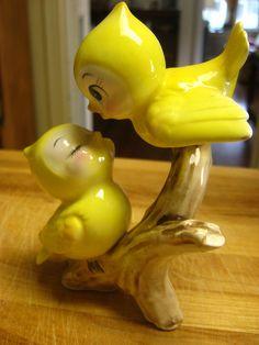 the sweetest little kissing birds