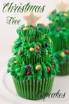 Christmas Tree Cupcake Trio, Great party themed food! #holiday #christmas...Haha at first I was like DANG!  that's a lot of icing!  But then I realized that really, its just three cupcakes stacked on top of eachother...lol