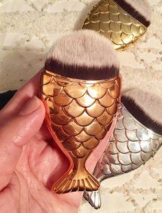 Chubby Mermaid Goldfish Foundation Makeup Brush for Contouring, foundation, blush, and applying liquid creams (Rose gold)