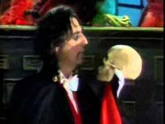 "Alice Cooper on The Muppets Show  ""Welcome To My Nightmare"""