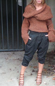 collar or sweater ♪ ♪ ... #inspiration #crochet #knit #diy GB http://www.pinterest.com/gigibrazil/boards/