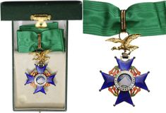 BOLIVIA - NATIONAL ORDER OF THE CONDOR OF THE ANDES | 5th Class Cross (Knight), 2nd Type, instituted in 1881. Breast Badge, 38 mm, Silver, both sides enameled, both central medallions silver gilt, enameled,